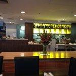 Bar & open kitchen