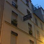 Photo de Hôtel Amélie