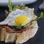 Tapa de presunto com ovo