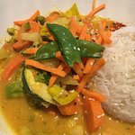 Gemüse-Mandel-Kokosnuss-Curry