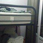 veran que el ancho de la habitacion es el de la cama