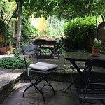 Lauschige Terrasse für die Mahlzeiten