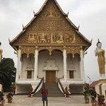 Foto de Gran Stupa Sagrada (Pha That Luang)