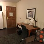 Photo de Staybridge Suites San Diego Rancho Bernardo Area