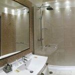 salle de bain chambre standing
