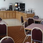 All Seasons Inn & Suites - 5