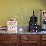 Regency Inn & Suites-5