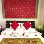 delux bed room