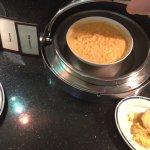 """Blick über den Pool und Frühstück. Das Rührei sah aus wie """"Suppe"""""""