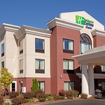 Foto de Holiday Inn Express Hotel & Suites Manchester Airport