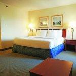 Photo of La Quinta Inn & Suites El Paso West Bartlett
