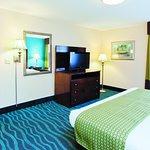 Photo of La Quinta Inn & Suites Goodlettsville - Nashville