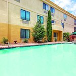 Photo de Comfort Inn North Dallas Near The Galleria