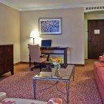Photo de Crowne Plaza Hotel Louisville-Airport KY Expo Center