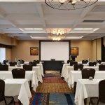 Photo of Embassy Suites by Hilton Hotel Kansas City - Plaza