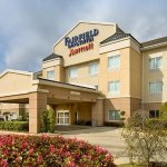 Photo of Fairfield Inn & Suites Marshall