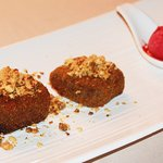 croquetas de chocolate con sorbete de frambuesa
