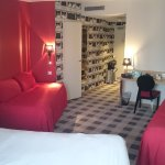 Zimmer / Room / Chambre 705