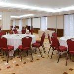 Mini Ballroom II - Banquet Rounds