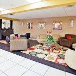 Photo de La Quinta Inn & Suites Memphis Airport Graceland