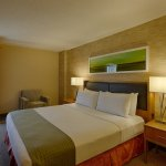 Holiday Inn San Antonio International Airport