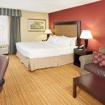 Photo de Holiday Inn Conference Center Lehigh Valley