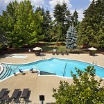 Outdoor Seasonal Swimming Pool at Holiday Inn Seattle-Issaquah.
