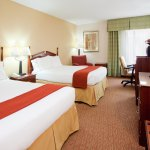 Sleep well in our comfortable Durham hotel rooms near DPAC.