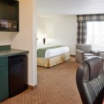 Photo of Holiday Inn Express Alliance