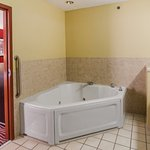 Photo of Holiday Inn Express Suites Vinita
