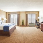 Photo of Holiday Inn Aurora North- Naperville