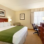 Photo de Country Inn & Suites By Carlson, Rochester Airport - University Area