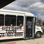 City Taste Tour Bus - Seats 16