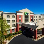 Holiday Inn Express Murfreesboro Central