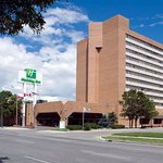 Free airport & local shuttle to Holiday Inn Winnipeg South