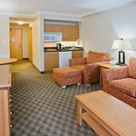 Photo de Holiday Inn Hotel & Suites North Vancouver