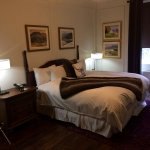 Rm# 122... Feather bed, very comfortable! Bathtub and shower. Nice room!