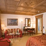 Deluxe_Double_Room_Lake_Side_South_Main_Kulm