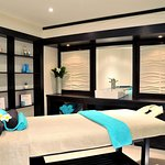 Camelot Spa   Massage Room