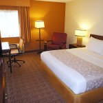 Photo de La Quinta Inn & Suites Baltimore BWI Airport