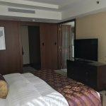 deluxe one bedroom suite bedroom