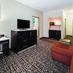 Photo de La Quinta Inn & Suites Paris