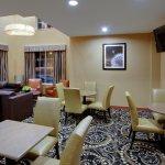 Photo de La Quinta Inn & Suites Manchester