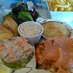 Salade oceane. Plusieurs dégustations à base de produits de la mer