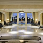 Orlando Lobby with Pool