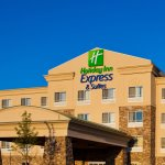 Photo de Holiday Inn Express Hotel & Suites Waukegan