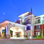 Photo de Holiday Inn Express Hotel & Suites Lake Elsinore