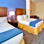 Foto de Holiday Inn Express Hotel & Suites Lake Elsinore