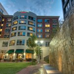 Photo de Courtyard Greenville Downtown