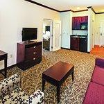 Photo of La Quinta Inn & Suites Burleson